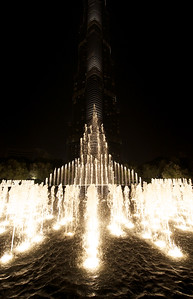 Dubai. Fountain in front of the Burj Khalifa.