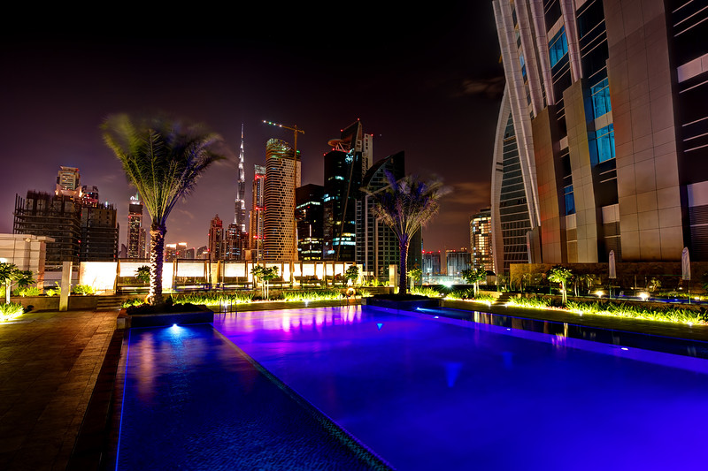 Dubai. Business Bay. Swimming pool at the JW Marriott Marquis hotel.