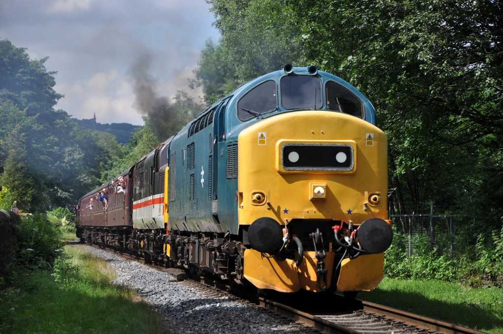37275 and 37518, Summerseat.