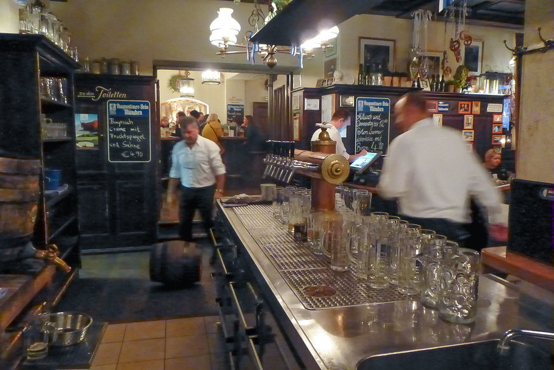 Roll aus dem Fass! More lager arrives in the nick of time at Augustiner am Platzl in Munich.<br /> Photo © Carl Clark