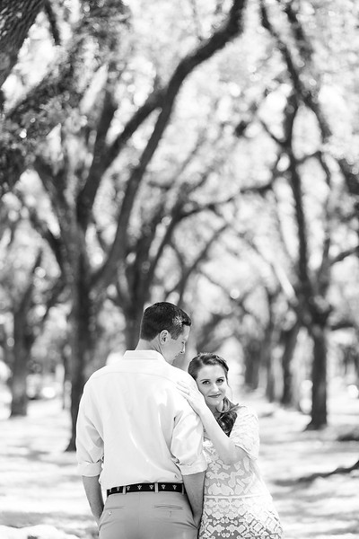 Alana & JP Engagement Session | Daria Ratliff Wedding Photography of Katy, TX