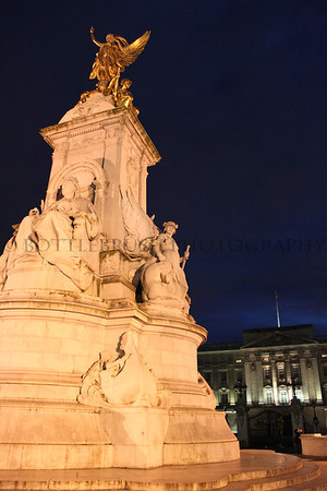 Victoria Memorial with Buckingham Palace, London, England.