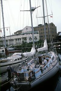 Cloud Nine, Saint Katharine Dock mooring