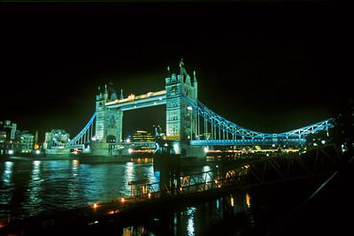 London Tower Bridge, Night