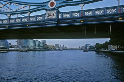 London Tower Bridge, Looking Upriver