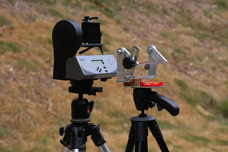 ArgusPan compared to Gigapan Epic. ArgusPan is smaller, lighter, requires no batteries.