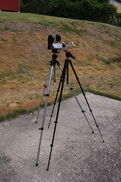 ArgusPan compared to GigaPan Epic. Gigapan requires  heavier tripod. Total weight of Gigapan and Bogen about 7 Lbs. Total weight of ArgusPan and Manfretto about 2 Lbs