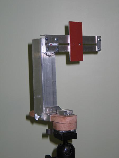 Medium duty pano bracket. Must be used on full size tripod.