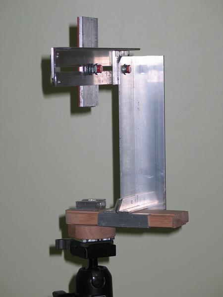 Heavy duty pano bracket. Must be used on full size tripod.