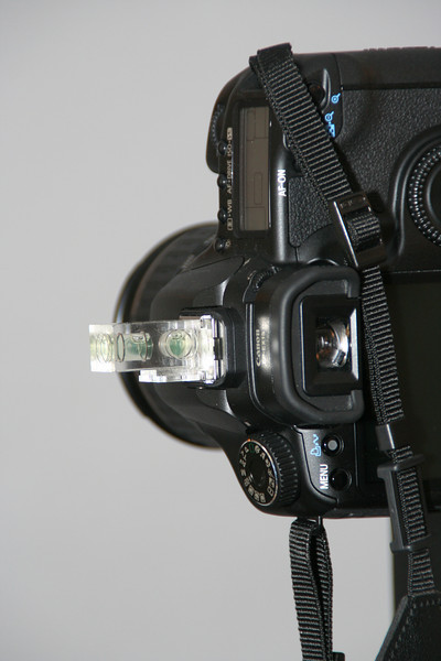 Note that the 3lb camera tilts slightly.