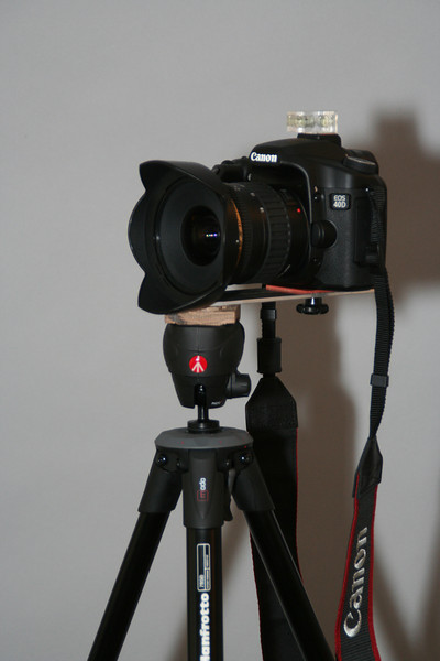 This tripod and bracket weighs about 2.5lbs versus almost 9 lbs for the Bogen and Panosaurus
