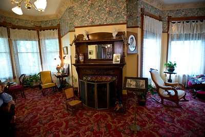 North America, USA, Illinois, Oak Park, Living Room of Ernest Hemmingway birth home