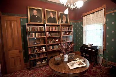 North America, USA, Illinois, Oak Park, Library of  Ernest Hemmingway Birth Home