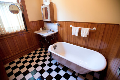 North America, USA, Illinois, Oak Park, Bathroom of   Ernest Hemmingway Birth Home