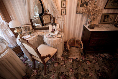 North America, USA, Illinois, Oak Park, Bedroom Suite of  Ernest Hemmingway Birth Home