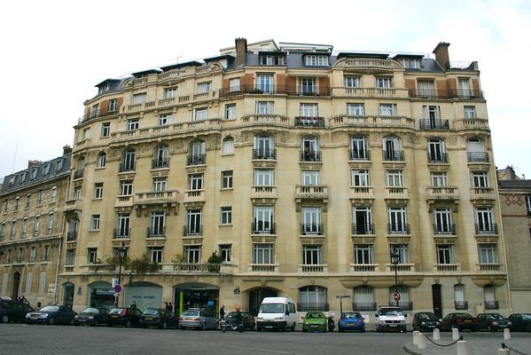 typical Parisian apartments