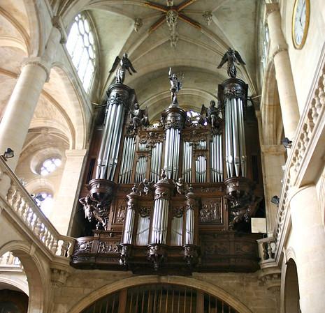 Saint-Etienne Du Mont organ