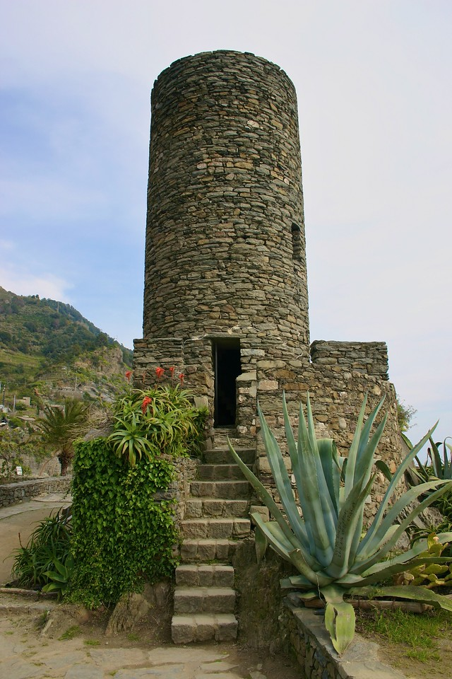 town castle above Vernazza