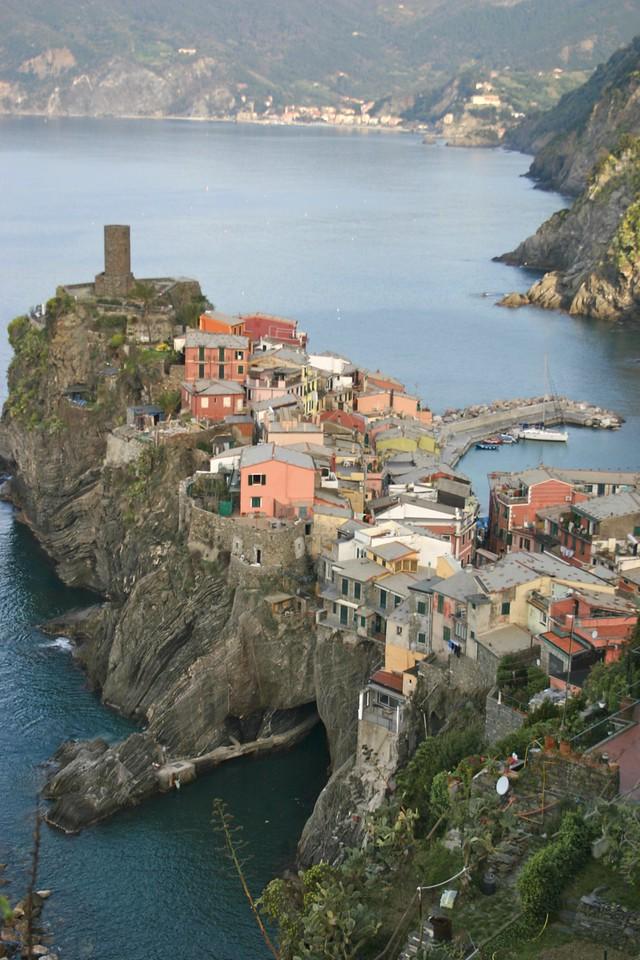 Vernazza from trail to Corniglia 5