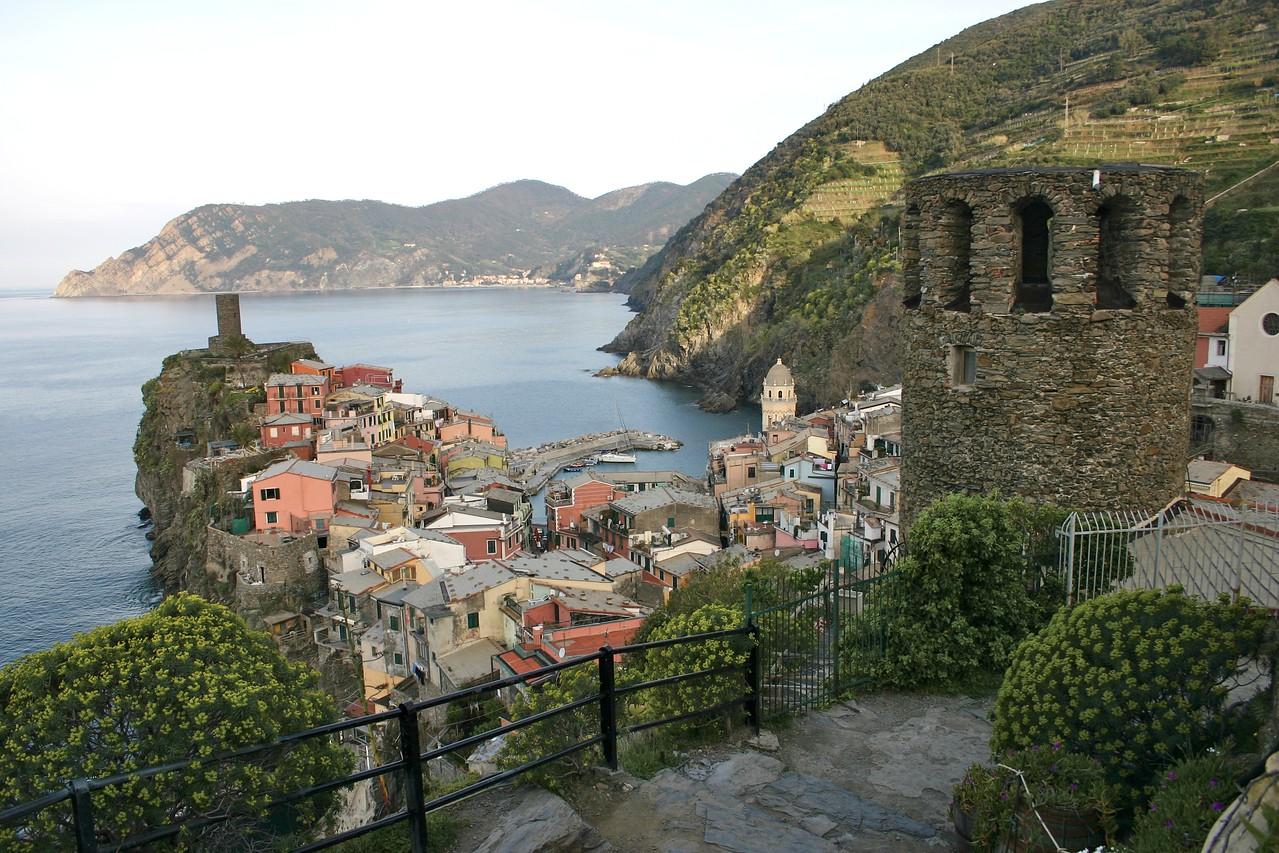 Vernazza from trail to Corniglia 4
