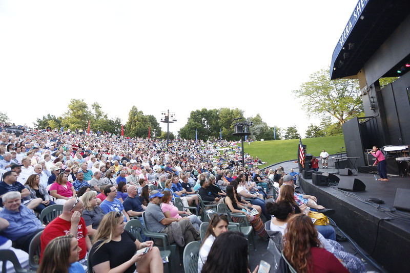 15Scera The Jets 023   The Jets with Debbie Gibson.  Opened by Viviena Wolfgramm and The Royals  July 20, 2015  Photography by: Todd Frederick Wakefield