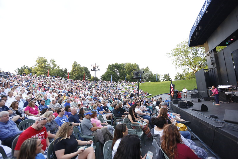 15Scera The Jets 022   The Jets with Debbie Gibson.  Opened by Viviena Wolfgramm and The Royals  July 20, 2015  Photography by: Todd Frederick Wakefield