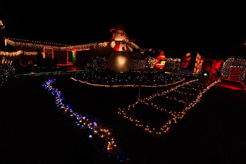 2011 Christmas Lights-133