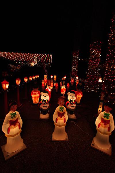 2011 Christmas Lights-140