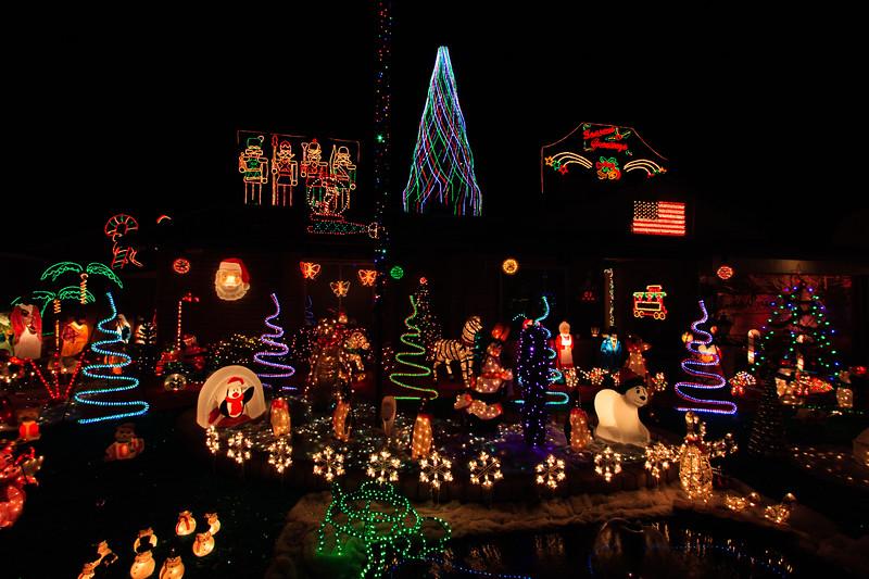 2011 Christmas Lights-117