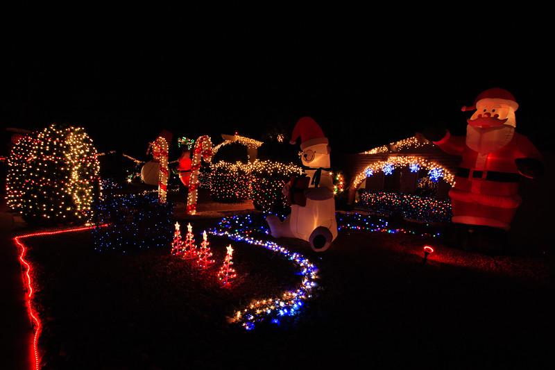 2011 Christmas Lights-134