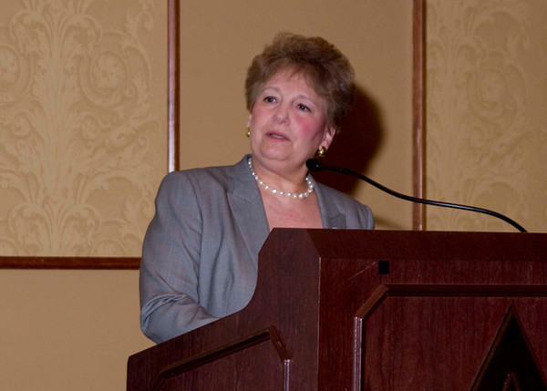 Luncheon Event Chair and Denver Health Foundation Executive Director Paula Herzmark presents award to Elaine Gantz Berman
