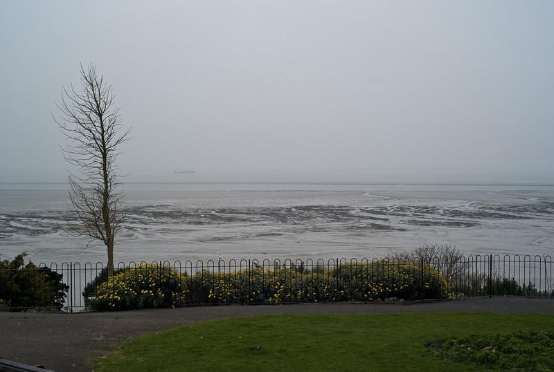 Thames estuary from Westcliff. February 2008.
