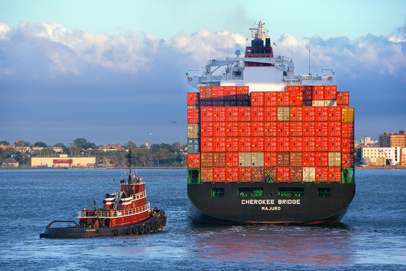 Container Tug Assist