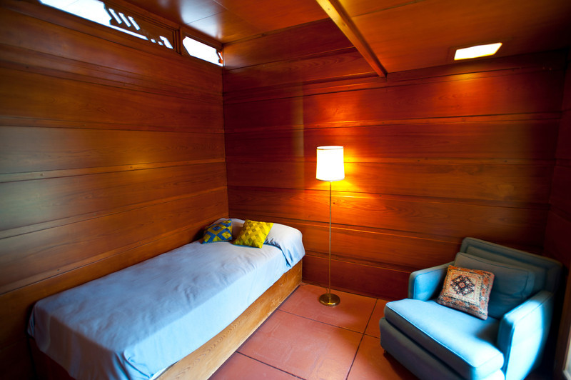 North America, USA, Alabama, Florence, Frank Lloyd Wright Usonian House of Stanley and Mildred Rosenbaum, Guest Bedroom