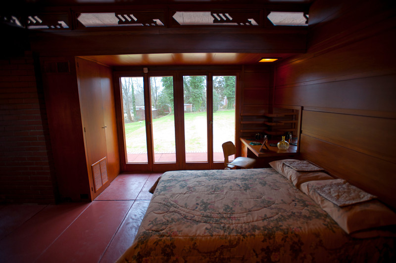 North America, USA, Alabama, Florence, Frank Lloyd Wright Usonian House of Stanley and Mildred Rosenbaum, Master Bedroom
