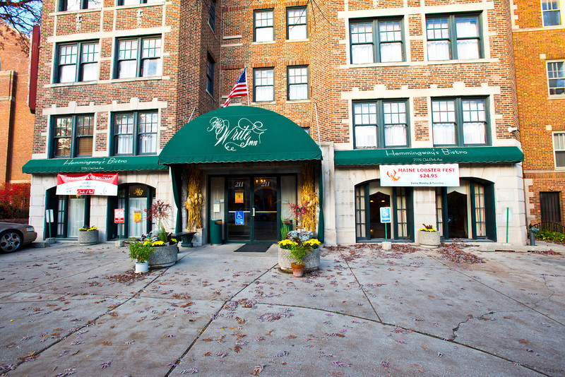 North America, USA, Illinois, Oak Park, Hemmingway Bistro and Write Hotel