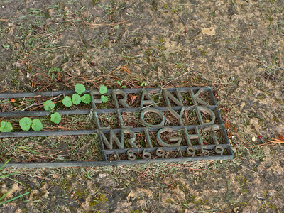 USA, Wisconsin, Spring Green, Frank Lloyd Wright compound, Taliesin, Unity Chapel Cemetery, Wright Grave