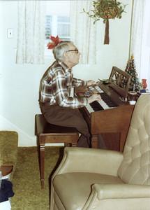 H Kling Cmas 1980