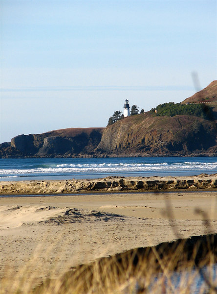 December 2, 2006 -- Yaquina Head & Lighthouse, as seen from the Agate Beach Wayside.