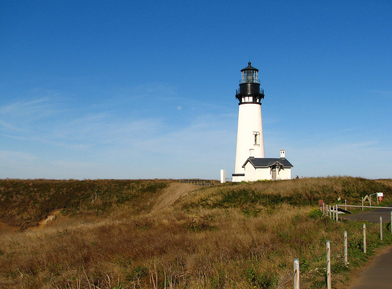 Another shot of the the lighthouse at Yaquina Head.