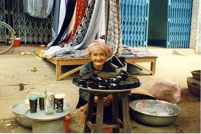 Market in Vietnam (1995)