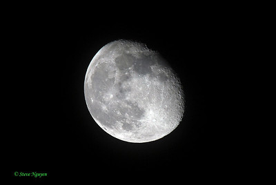 Moon captured with Sigma 50-500mm lens (one day later than previous pic).