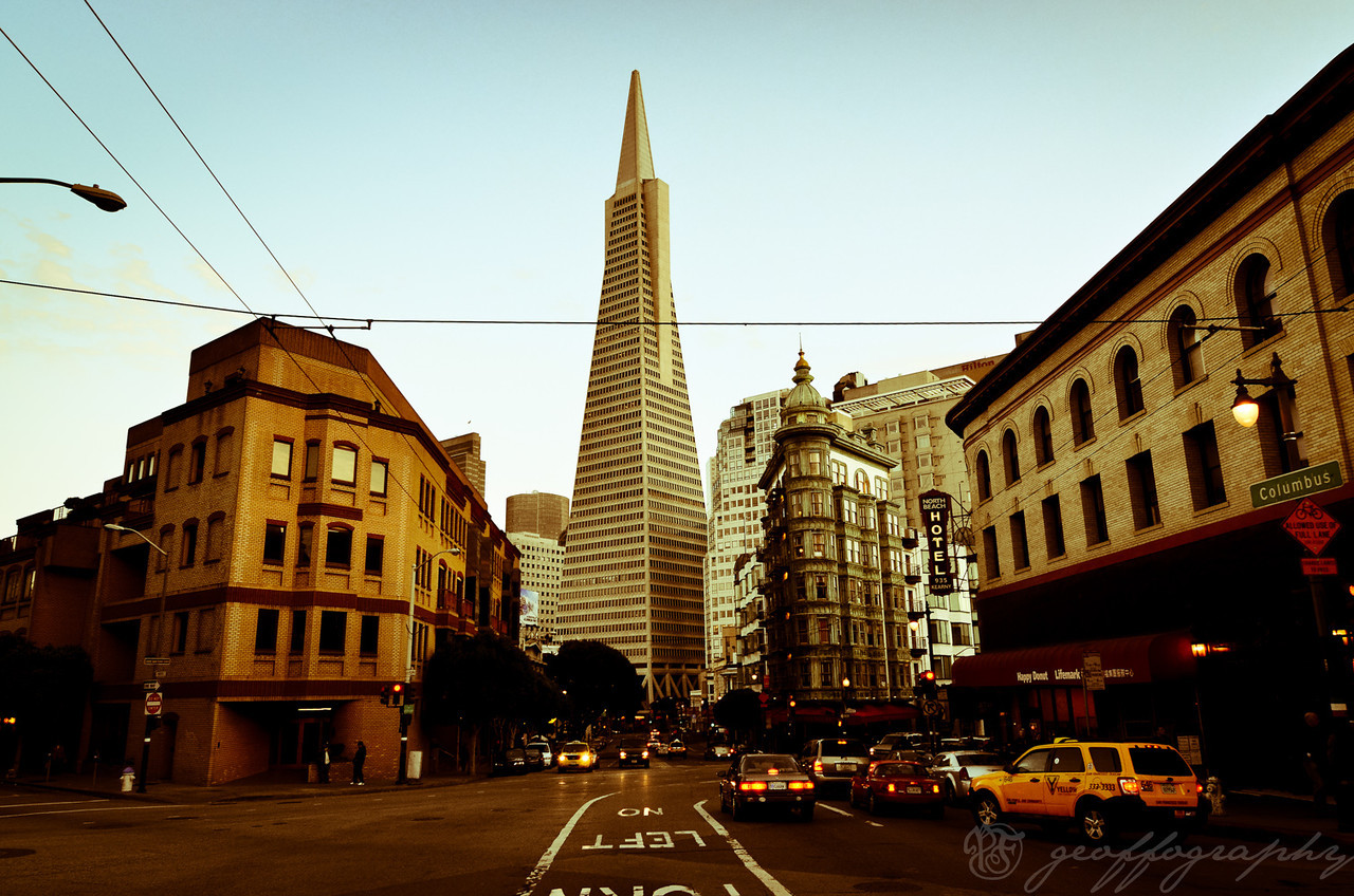SF Buildings: a range of architectural styles present in North Beach looking downtown