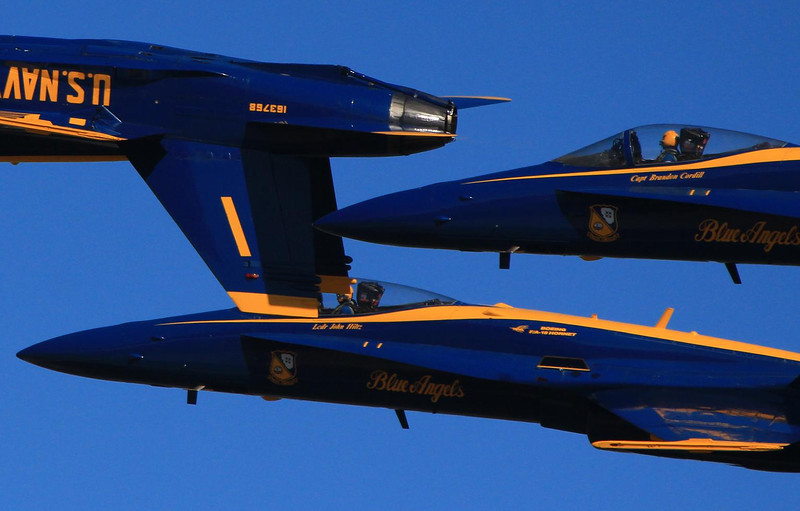 The Blue Angels Commander (#1) and the slot man (#4) are inverted in this diamond formation. How low were they? I am on the ground!