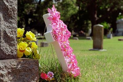 cemetery_flowers-ek1-t3217