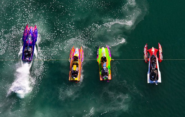 Colorful shot of the Hydro Races at Firebird Raceway 2008