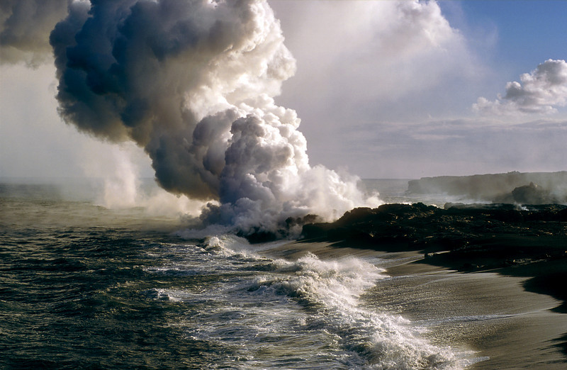 Kilauea Lava Flow entering the sea, 2001 August, Big Island of Hawaii