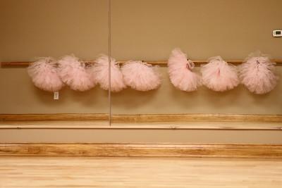 dance studio 010