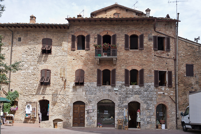 One of the many typical buildings in San Gimignano