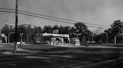 View showing the Pure Oil Co. gas station on University Blvd at Fort Caroline Road in 1962.